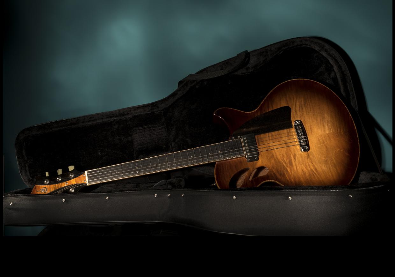 Maruxa. Guitarra - Funda