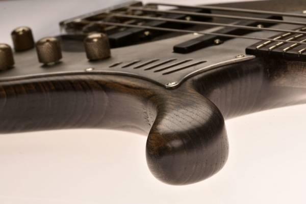 Bajo Basstian Sabrafén Luthier 1