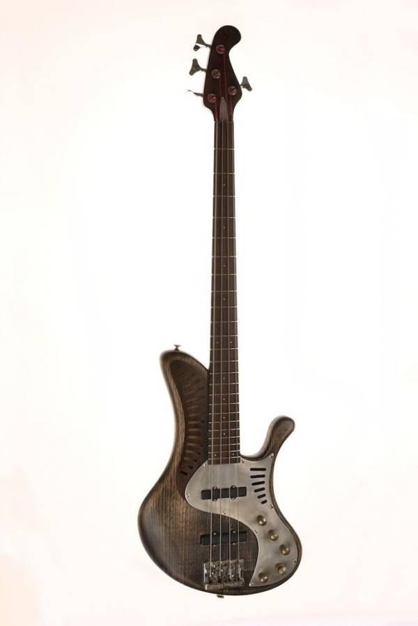 Bajo Basstian Sabrafén Luthier 12 1
