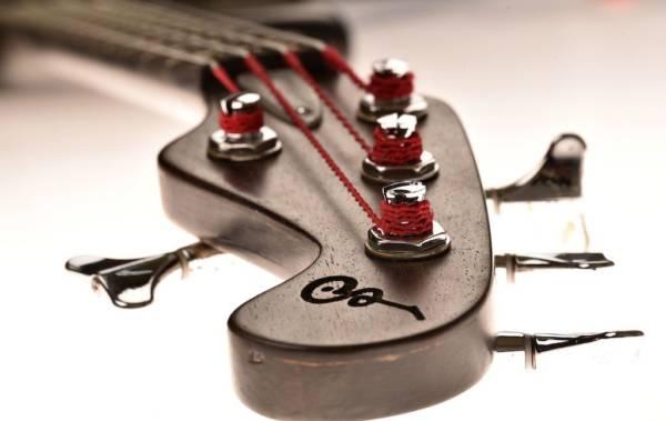 Bajo Basstian Sabrafén Luthier 2