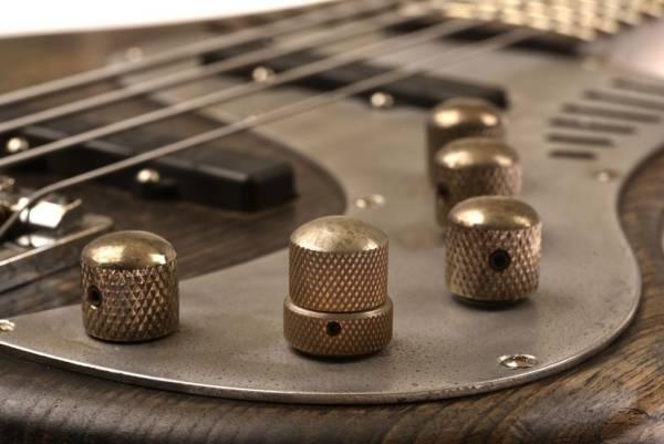 Bajo Basstian Sabrafén Luthier 4