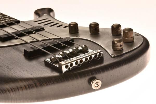 Bajo Basstian Sabrafén Luthier 8